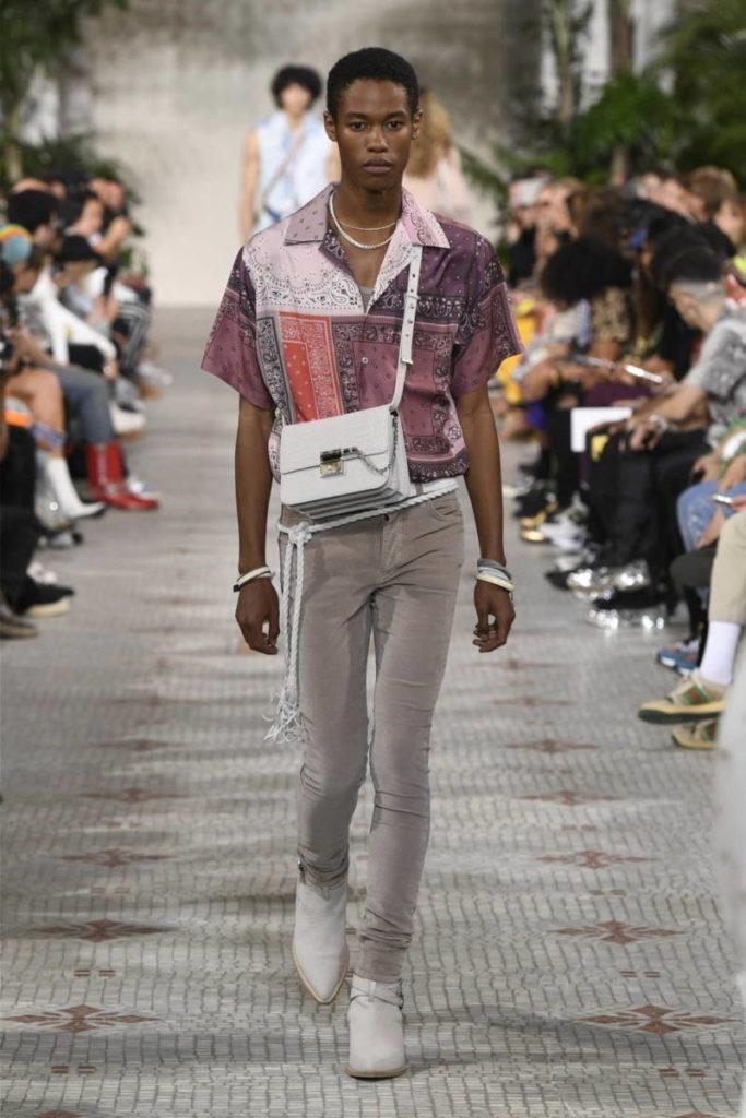 海外アーティスト等、多数着用のLA発ラグジュアリーブランドAMIRIを紹介します。