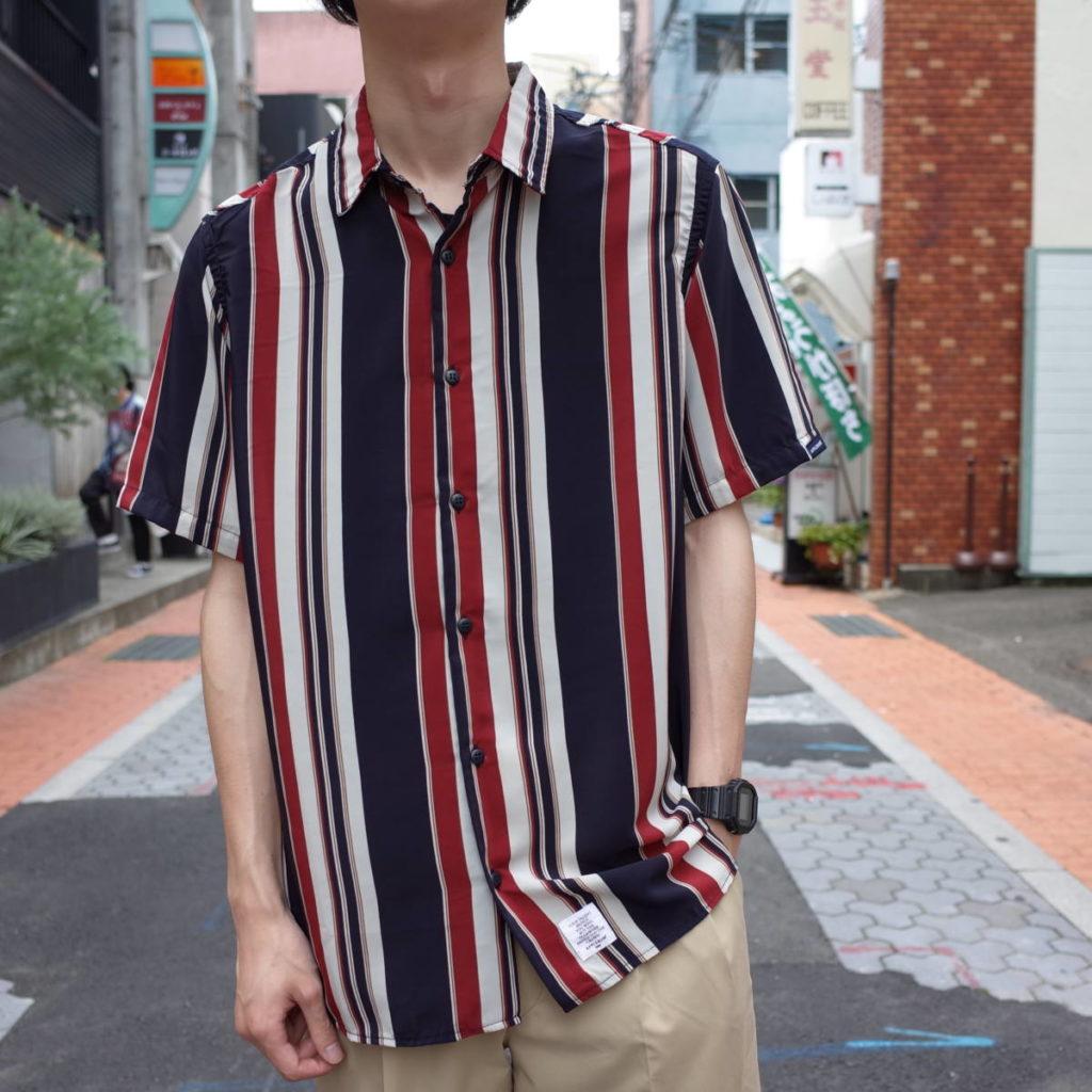 夏の主役は、ひねりの効いたストライプシャツ!
