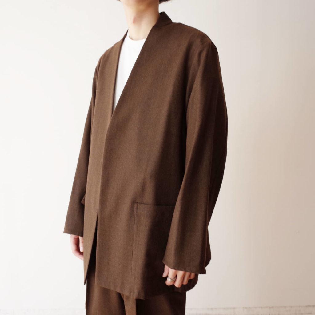 決めすぎない、ゆるすぎない marka のジャケット。
