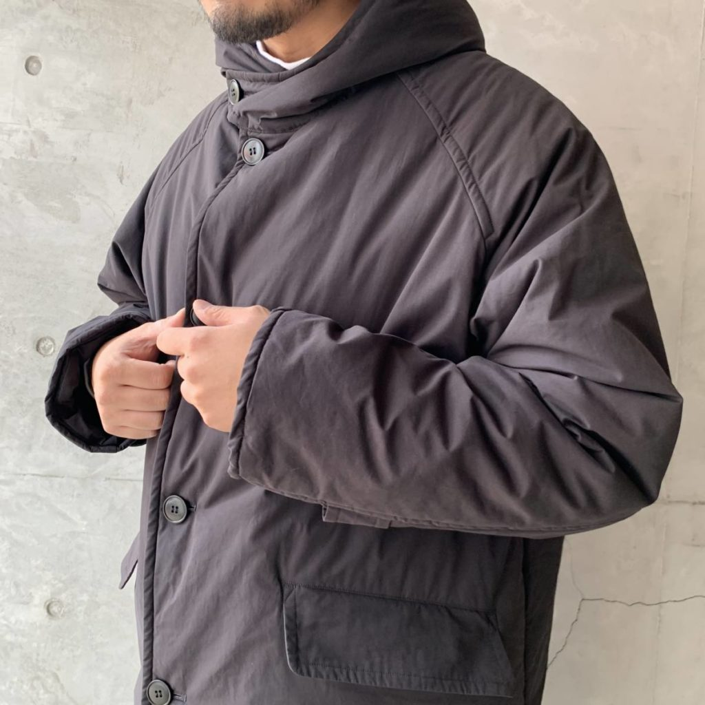 COMOLI の新型コート