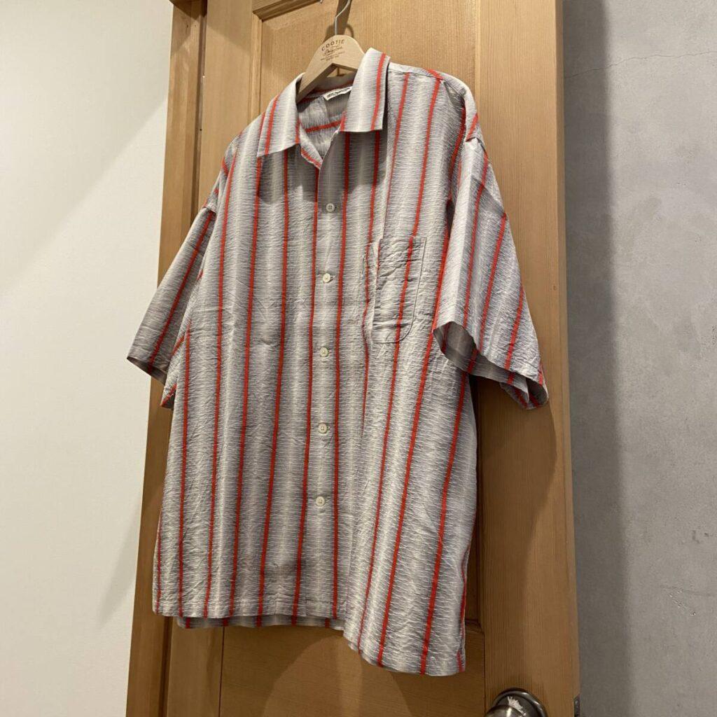 奥行きのあるストライプシャツ。COOTIE PRODUCTIONS®︎(クーティープロダクションズ)