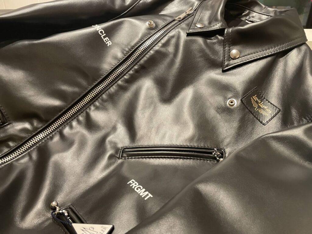 無骨さとファッション性の融合、7 Moncler Fragment Hiroshi Fujiwara × Lewis Leathers のライダースジャケット。