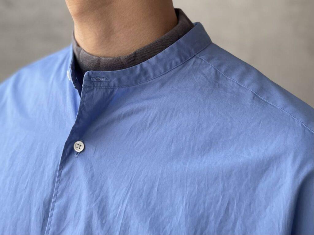 今シーズンから新登場、Graphpaper のモックネック T シャツ。